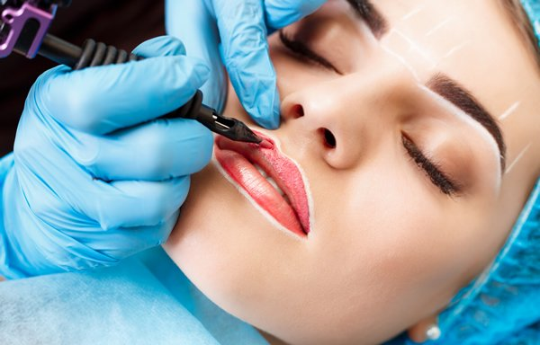 Women getting permanent cosmetic makeup seoul skin treatments